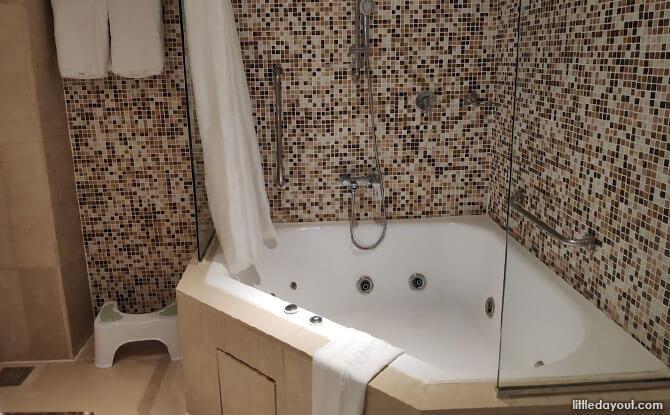 Bathroom at Novotel Clarke Quay