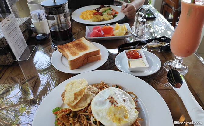 Mealtimes are also a treat at the Batam resort.