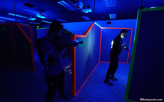 Laser Tag At Singapore Discovery Centre: Black Lake Laser Battlefield Players