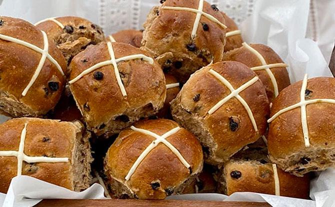 Hot cross buns Baker & Cook
