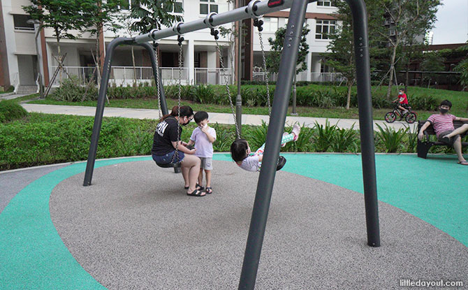 Anchorvale Plain Playground Swing