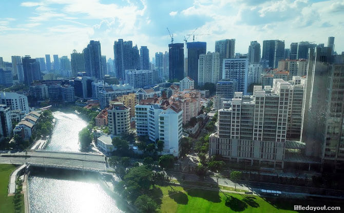 Breathtaking Views of Singapore River and Skyline