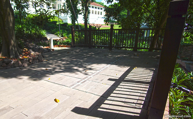 Outdoor play pit area