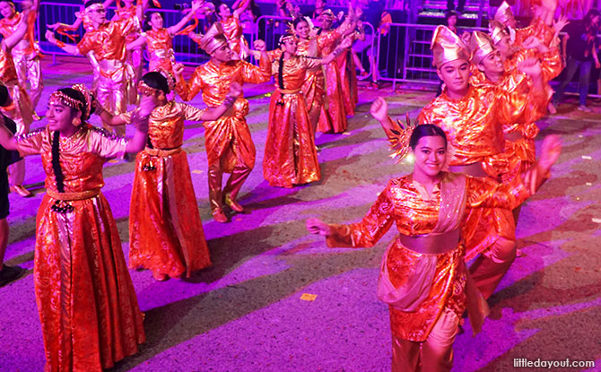 Enjoy the parade in cool weather and soak in the CNY atmosphere