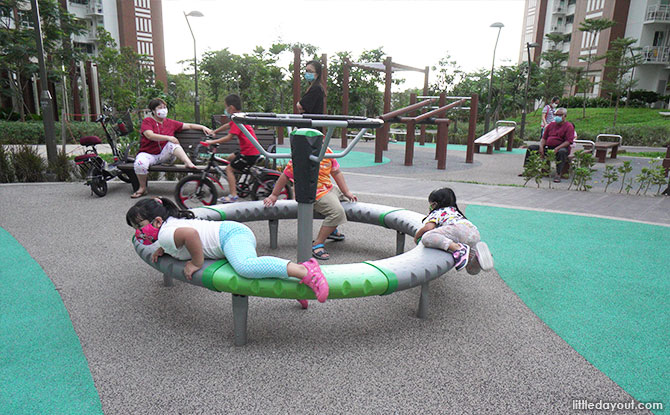 Anchorvale Plain Playground spinning