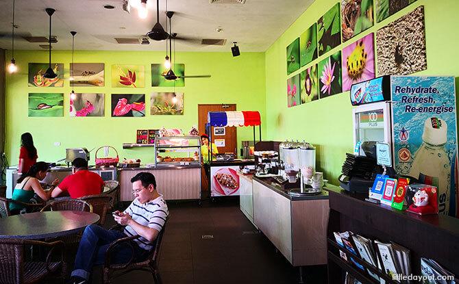 Siloso Beach Resort's Eco Alfresco Café