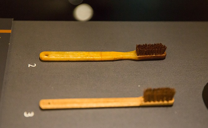 09 Toothbrush c. 1942−1945 Bamboo and coconut fibre Gift of the family of Forbes Wallace 2019 00638 Collection of the National Museum of Singapore