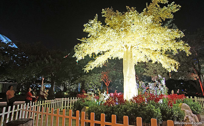 Golden Wishing Tree at Gardens by the Bay