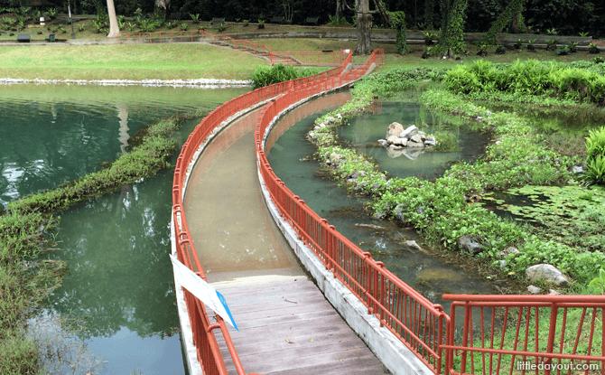 Submerged walkway
