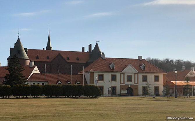 NIXE Castle