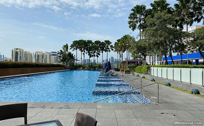 Escape Lounge on Level 6 pool