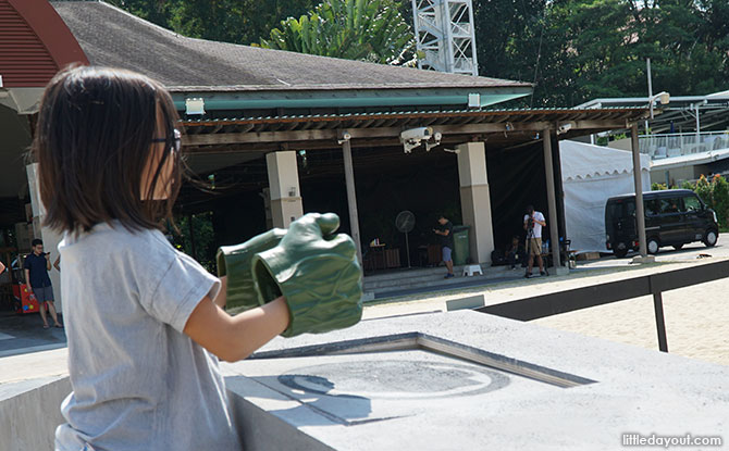 Sentosa Sandsation: MARVEL Edition - Hulk Smash station