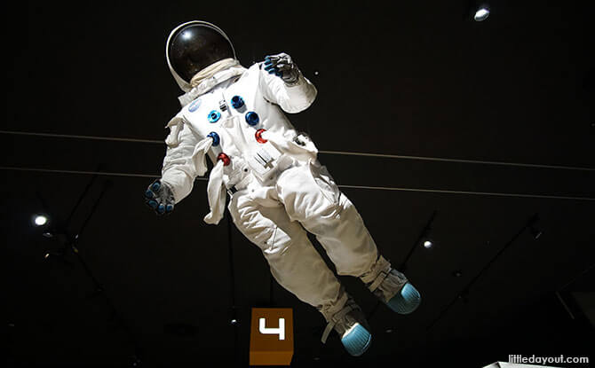 TeNQ Space Museum, Tokyo: See The Universe From Different Angles