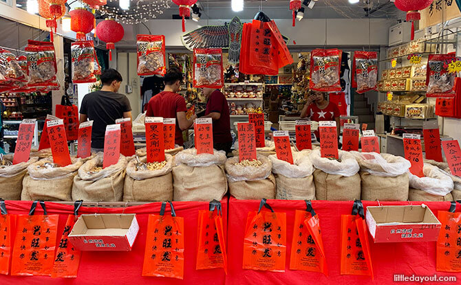 Visiting The Chinatown Festive Street Bazaar: 5 Things To Buy On A Day Out To The Heart Of Chinatown