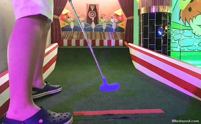 Carnival mini golf hole