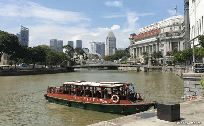 Exploring Singapore River by Water Taxi