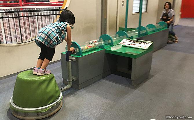 Science learning at Kids Plaza Osaka