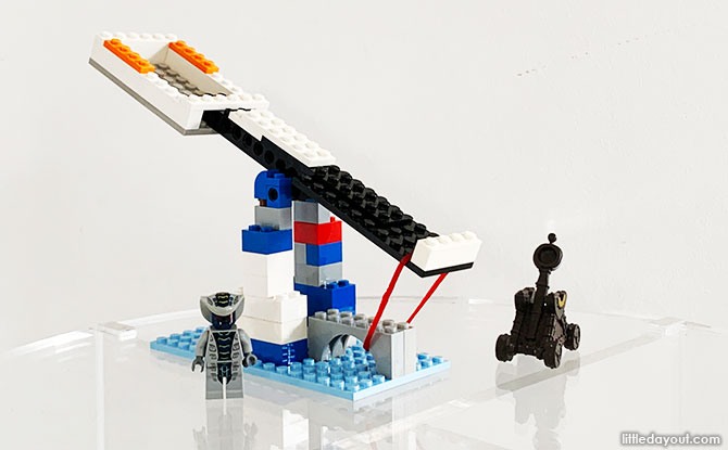 How To Build A LEGO Catapult That Actually Works