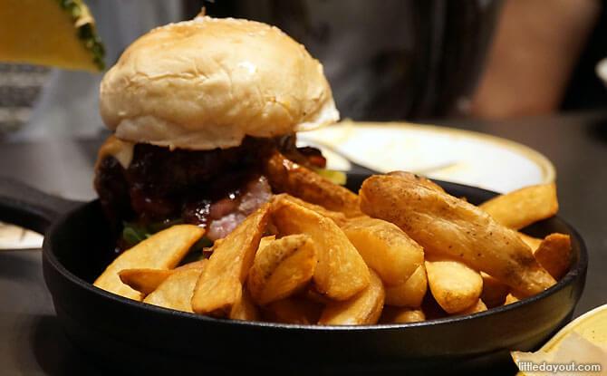 Wagyu Beef Burger, Trapizza, Siloso Beach, Sentosa