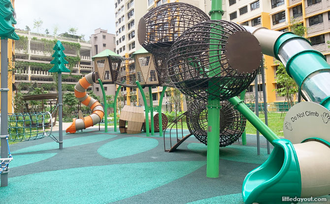 West Plains Playground and other play spots in Hong Kah North