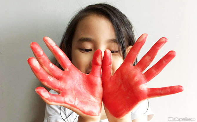 Let the kids have fun making an artistic mess! To ensure their safety, we'll be using the same non-toxic acrylic paint that MindChamps regularly uses for its own students.