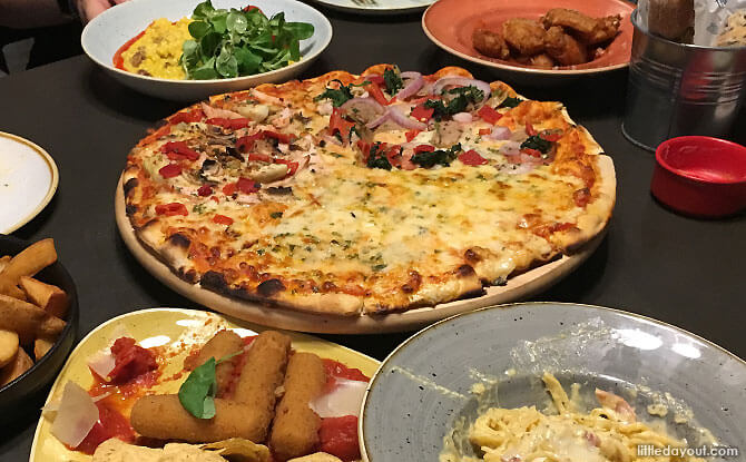 Trapizza: Amazing Food, Family-friendly Beachfront Dining At Sentosa
