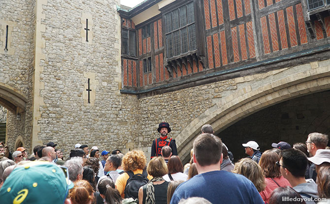 On the Yeoman Warder's Tour - Tip for visiting the Tower of London