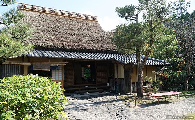 Isuien Gardens teahouse.