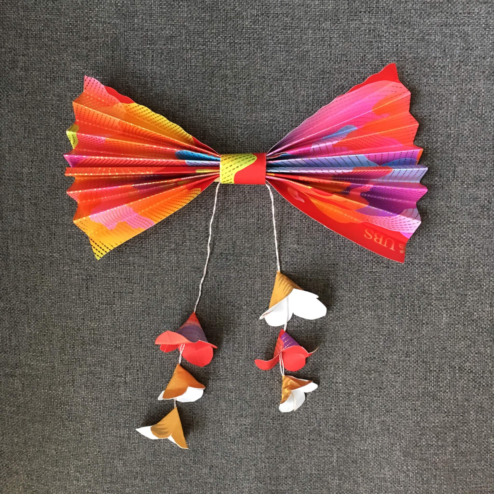 Bow with flowers