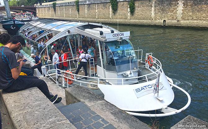 BatoBus service, Paris