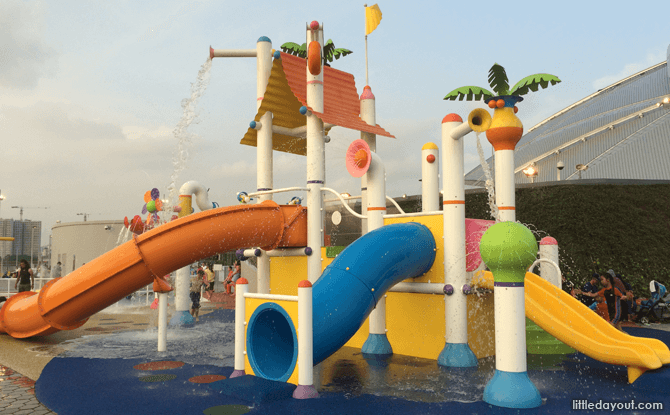 Kallang Wave Shopping Mall Water Playground
