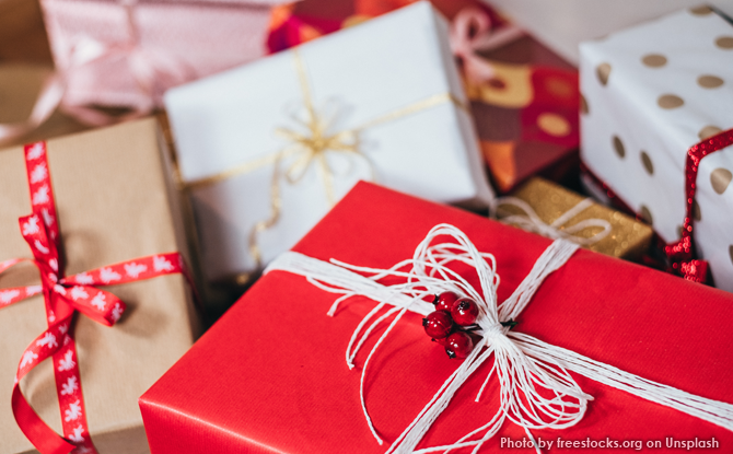 Generic-Christmas-gift-boxes
