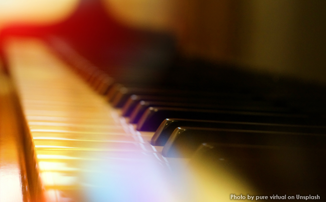 Generic piano keys lights 1
