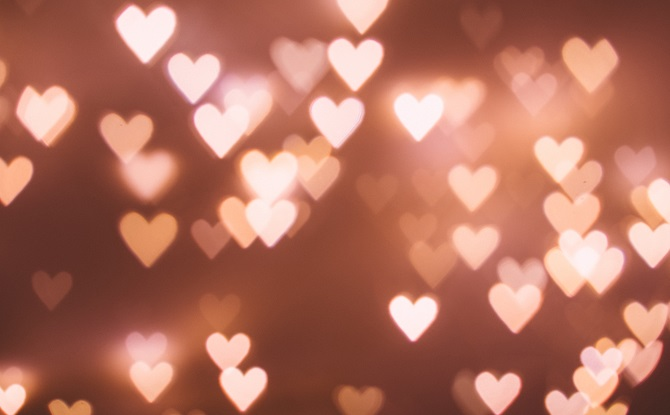 Generic pink heart lights 1