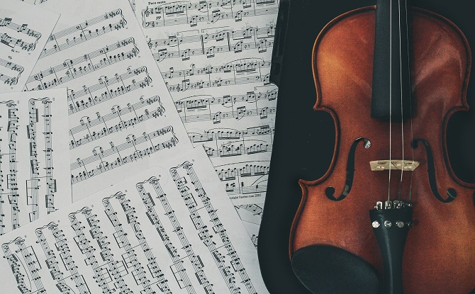 Generic violin music score 6