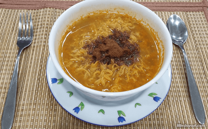 Curry Maggi with Chocolate