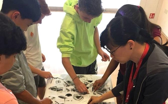 Teen Workshop: Charcoal Masterpieces