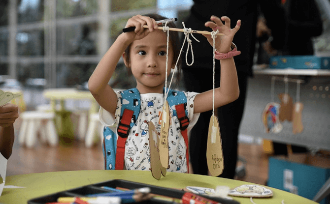 Drop-in Activity: Playful Puppets