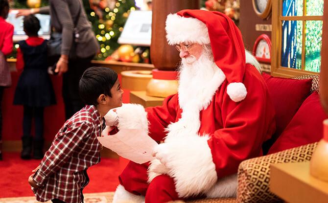 Santa Appearance at Aperia Mall