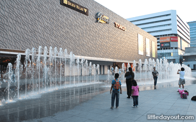 Vivocity Fountain