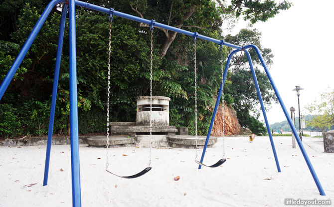Labrador Park Playground: Play By the Bunker