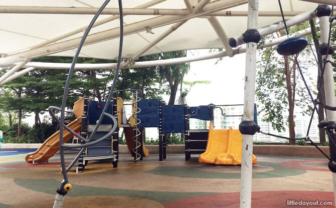 Rooftop Garden Playground, Lot One Shoppers' Mall