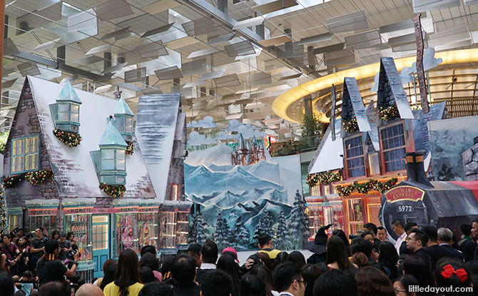 Harry Potter Fans, Get Spellbound At A Wizarding World Holiday In Changi Airport This Year-End 2018