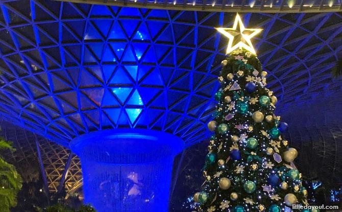 Christmas Light and Sound Show at Jewel