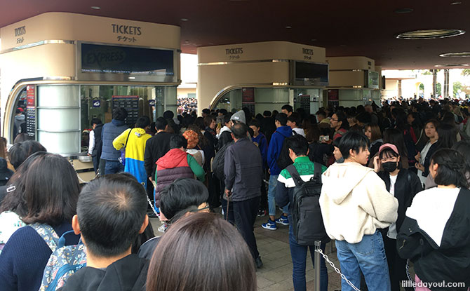 Queue at ticketing booth at Universal Studios Japan