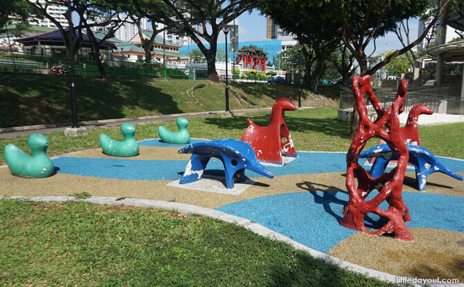 Old school animal sculptures at Toa Payoh Lorong 7 Park
