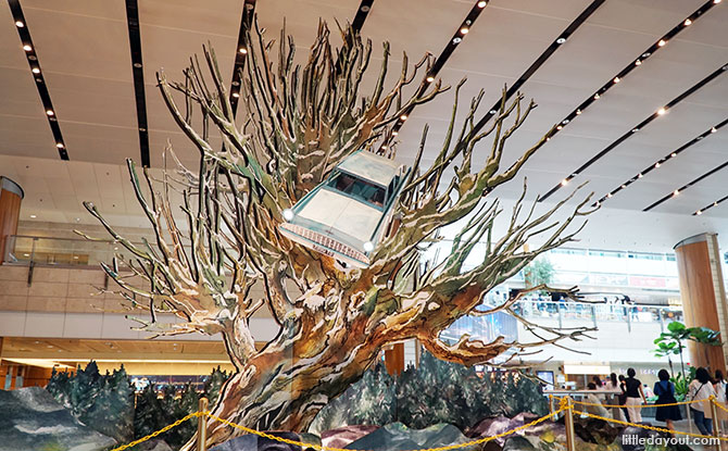 Whomping Willow at Changi Airport, T2