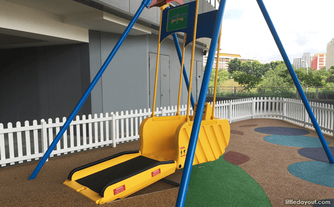 Inclusive swing at OTH playground level 2
