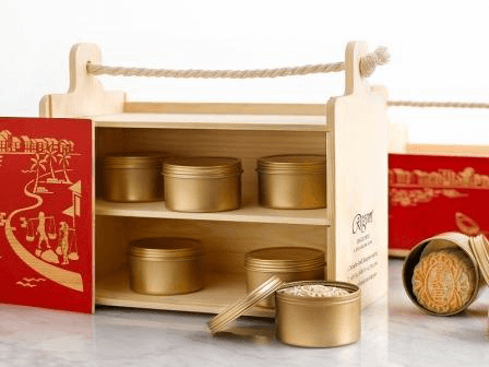 Summer Palace's unique carrier box is inspired by Singapore's history as an entrepot for spice trade in the 1800s. Photo credit: Regent Singapore