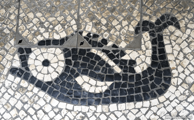 Our little one was fascinated by the cobbled streets sporting many different patterns. On top of this cute fish, we spotted crabs, ships, flowers, squids, and many more.